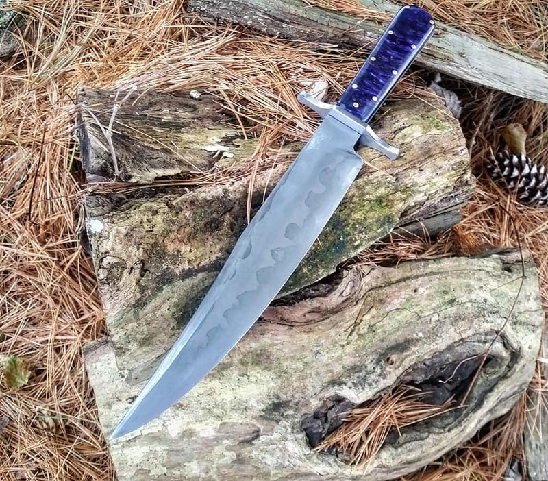 custom hand made bowie knife